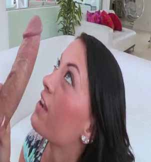 hot-babe-excites-her-fucker-by-hotly-masturbating-cunt-in-front-of-him