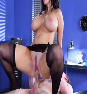 stockings-girl-in-red-shoes-crazy-fucking