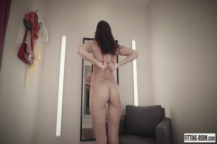 Sexy Girl Takes Off Clothes In Fitting Room