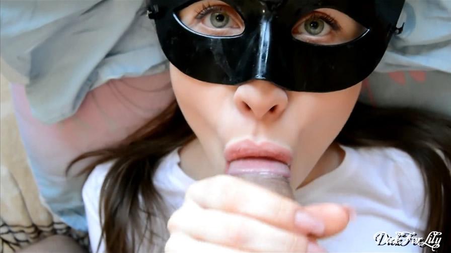 [pornhub精选]0 Sensitive Girl Loves to Lick Foreskin and Swallow Cum Crempie DickForLily DickForLily